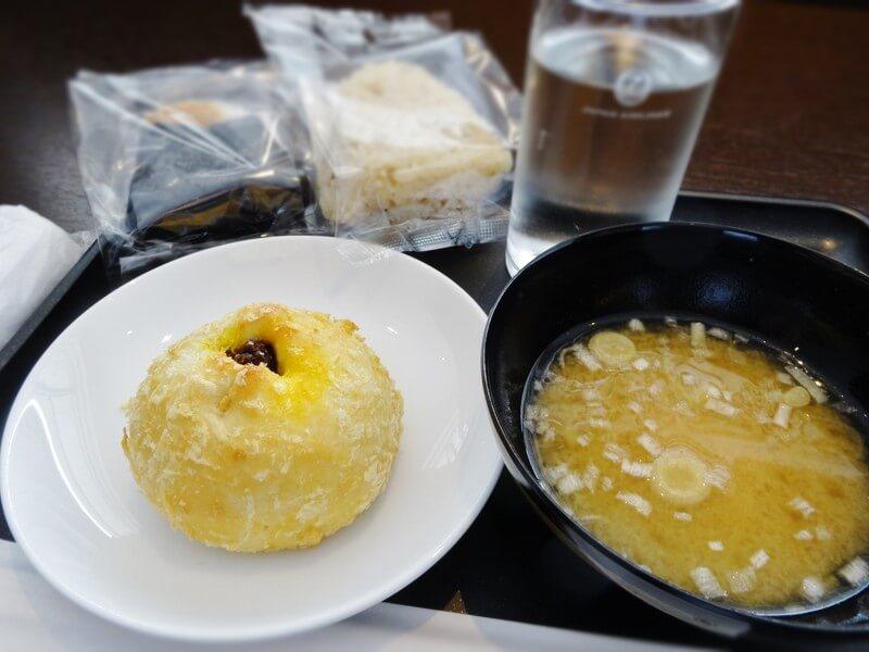 羽田空港ダイヤモンド・プレミアラウンジ食事