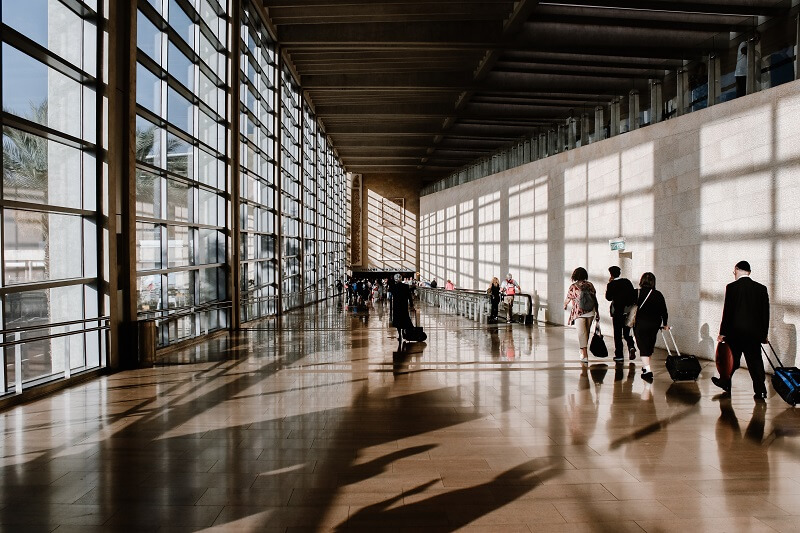 空港の搭乗前