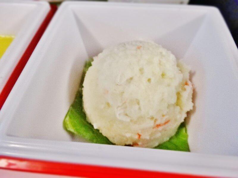 JAL942便‐機内食-ポテトサラダ